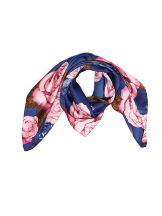 Pleated Rose Neckerchief